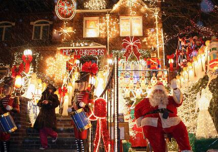 今年的圣诞节,京山人将要提前过,因为......